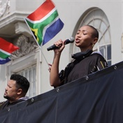 WATCH | Musicians bring cheer to Cape Town's frontline workers in concert on open-top bus