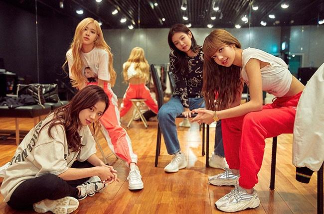 Jisoo, Jennie, Rosé and Lisa in BLACKPINK: Light Up the Sky.