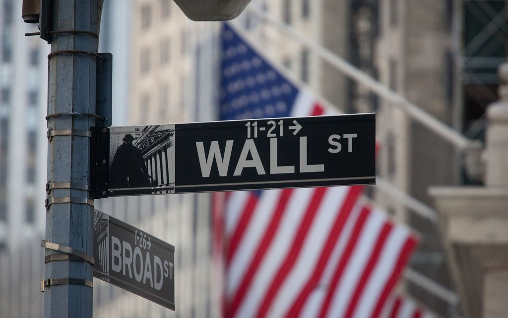 News24.com | Wall Street continues sell-off at open, Dow -0.4% thumbnail