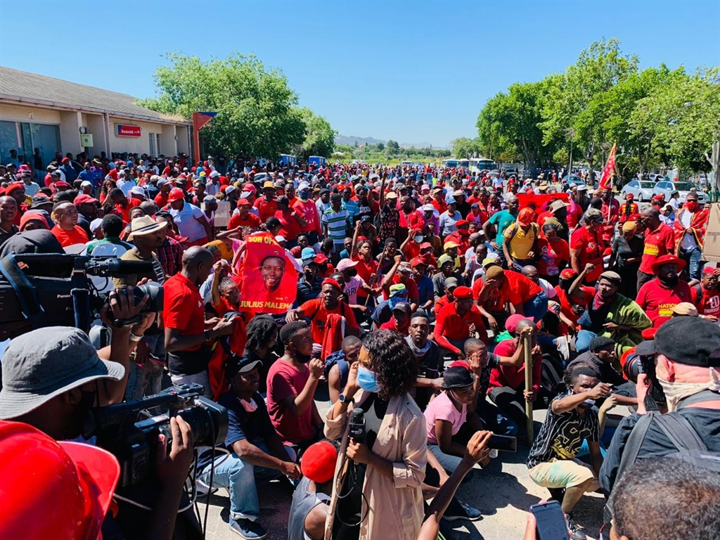 Large group of EFF protesters who gathered near Brackenfell High. Picture: Adrian de Kock
