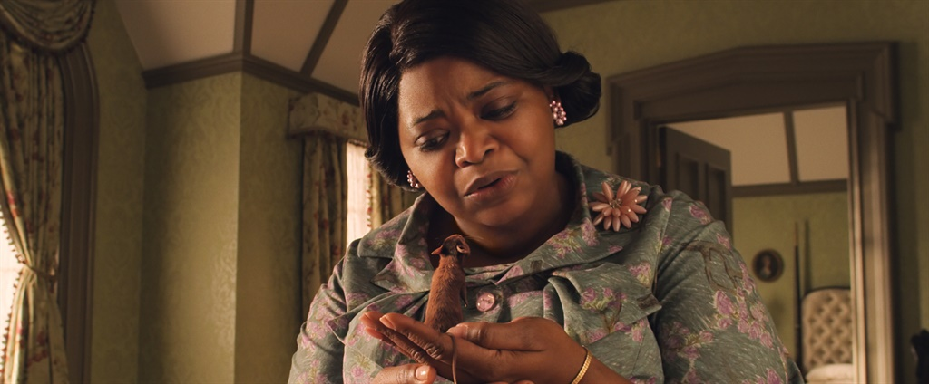 """OCTAVIA SPENCER as Grandma in Warner Bros. Pictures' fantasy adventure """"THE WITCHES,"""" a Warner Bros. Pictures release. Courtesy Warner Bros. Pictures"""