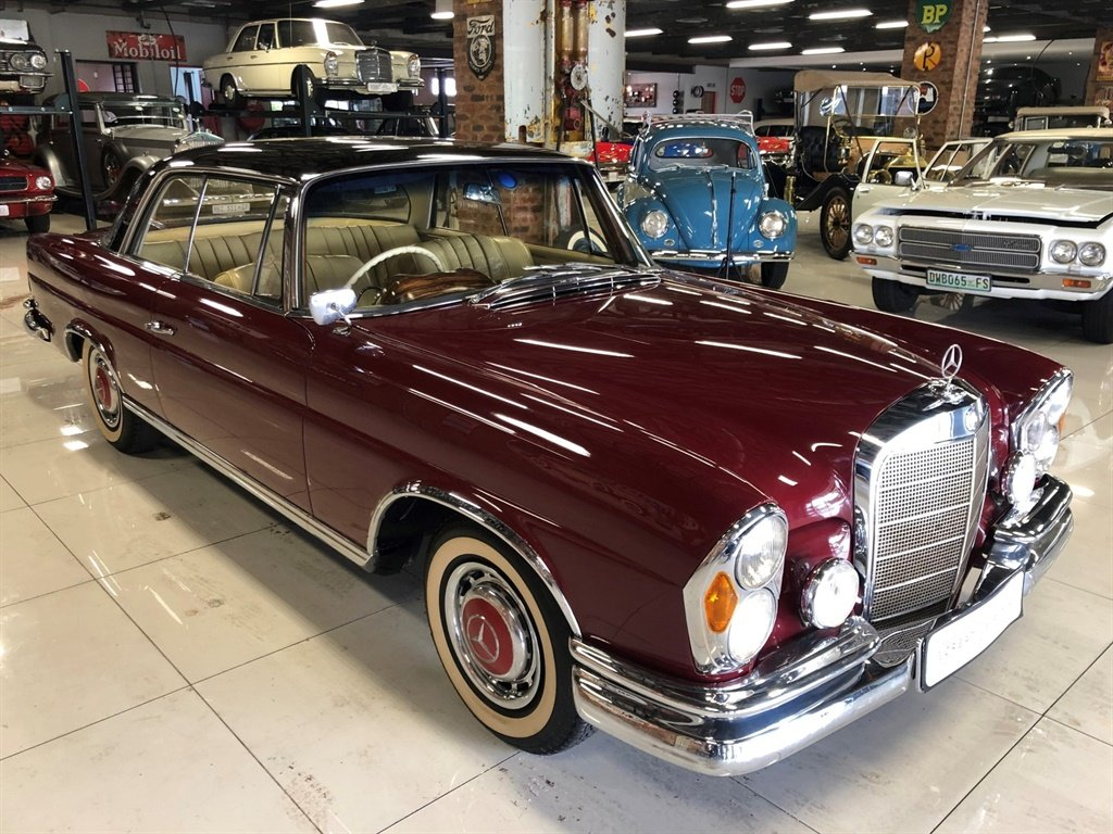 1964 Mercedes Benz Coupe 220SE