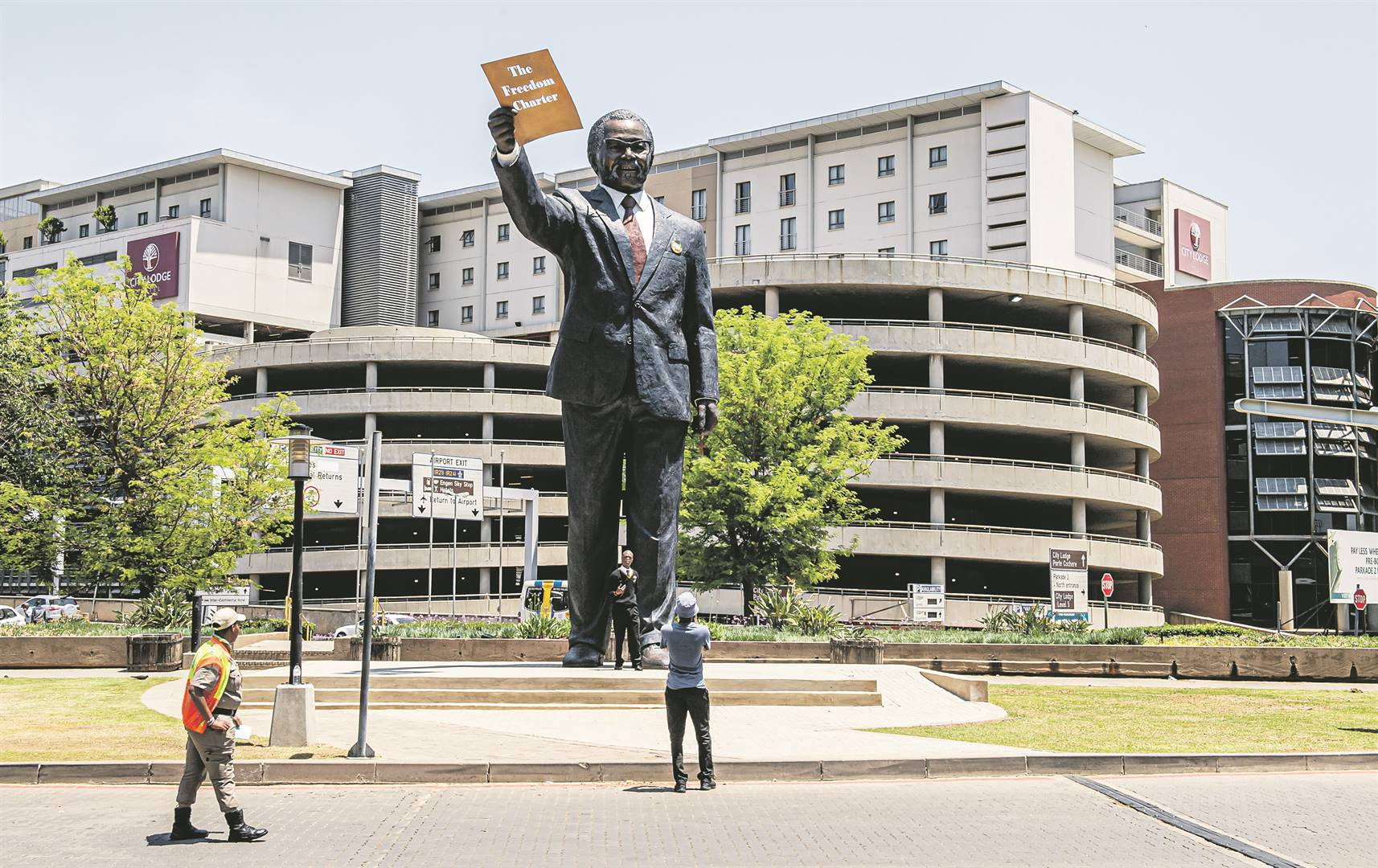 OR Tambo statue. Picture Deon Raath