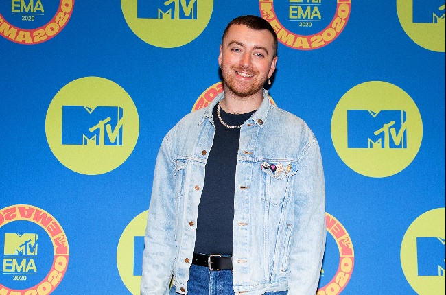 While other stars got dolled up Sam Smith kept their red carpet look casual. (Photo: Getty Images/Gallo Images)