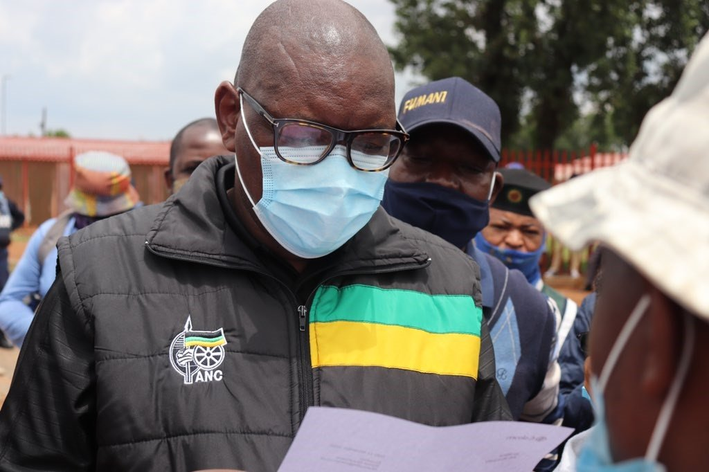 Makhura addressed residents outside a local Methodist church and another group outside Atamelang Primary School.