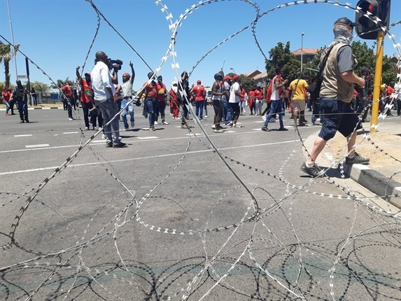 Police fire teargas at EFF protesters in Brackenfell