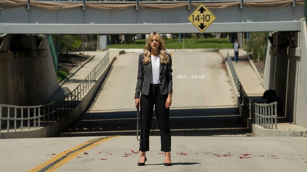 Carey Mulligan vertolk die rol van Cassandra