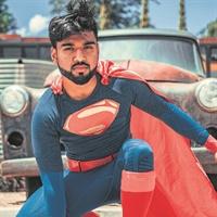 Superman hou sy lyf Kersvader!