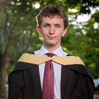 Top ingenieur-student kry US se kanseliersmedalje