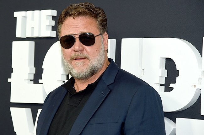 Russell Crowe Hits Back at Critic of His 2003 Film 'Master & Commander' class=