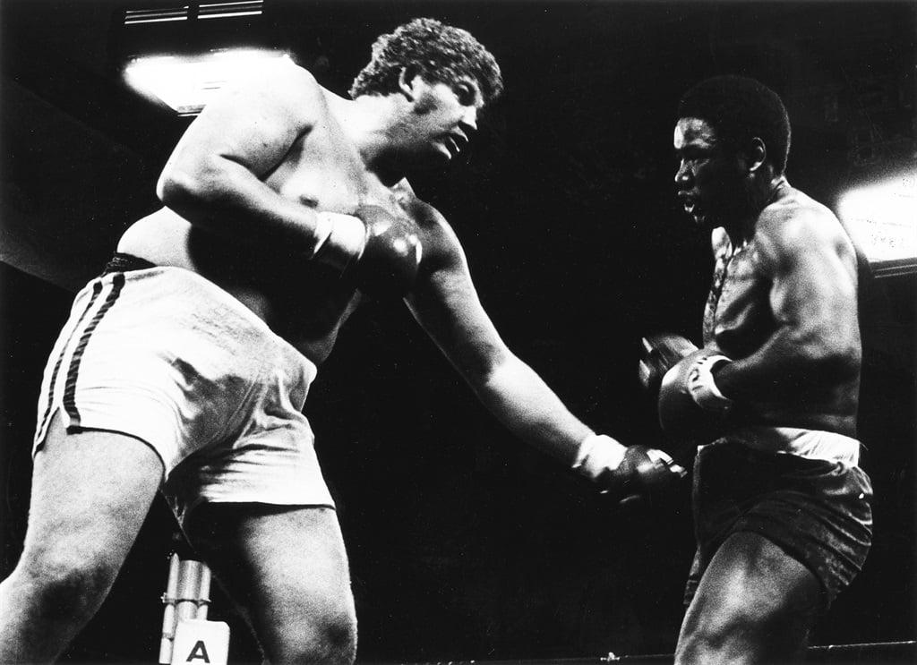 Jimmy in 1979 teen die VSA se Eddie Lopez.