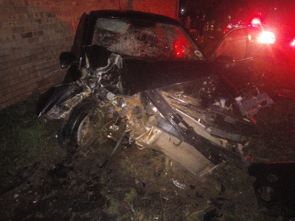 Five people were injured in an accident in Mondeor on Saturday evening