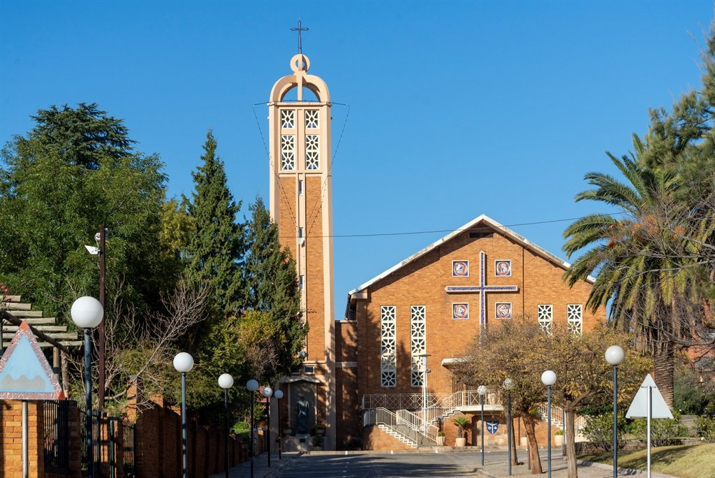 Lockdown: South African National Christian Forum to challenge church closures in court   News24