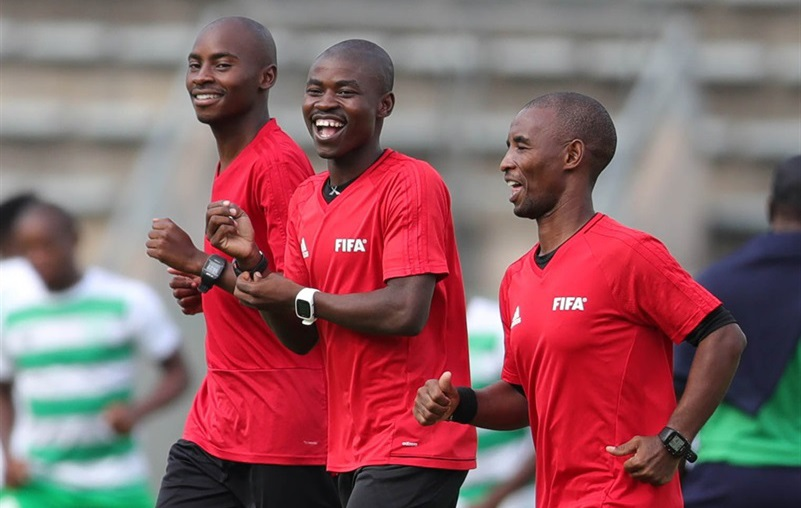 PSL referees Jelly Chavani (centre), first assistant referee Lalelani Mngadi and second assistant Happy Nhlanhla. Picture: Samuel Shivambu /BackPagePix/Gallo Images