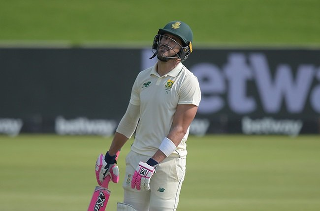 Faf admits Yasir Shah, reverse swing will be a problem - News24