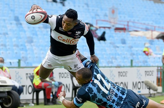 Sharks wing Sbu Nkosi scores a try in the 2020/2021 Currie Cup final.