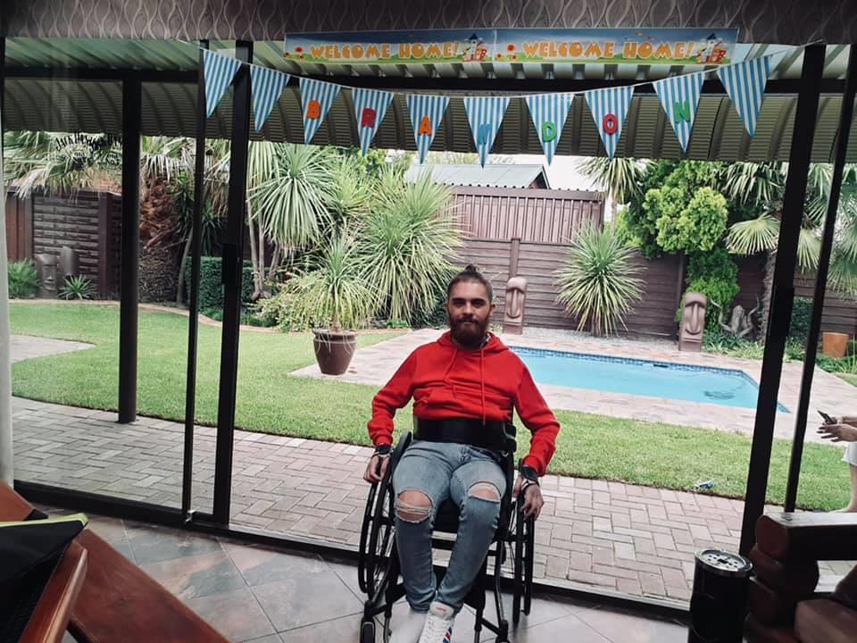 Brandon terug by die huis. Foto: Facebook
