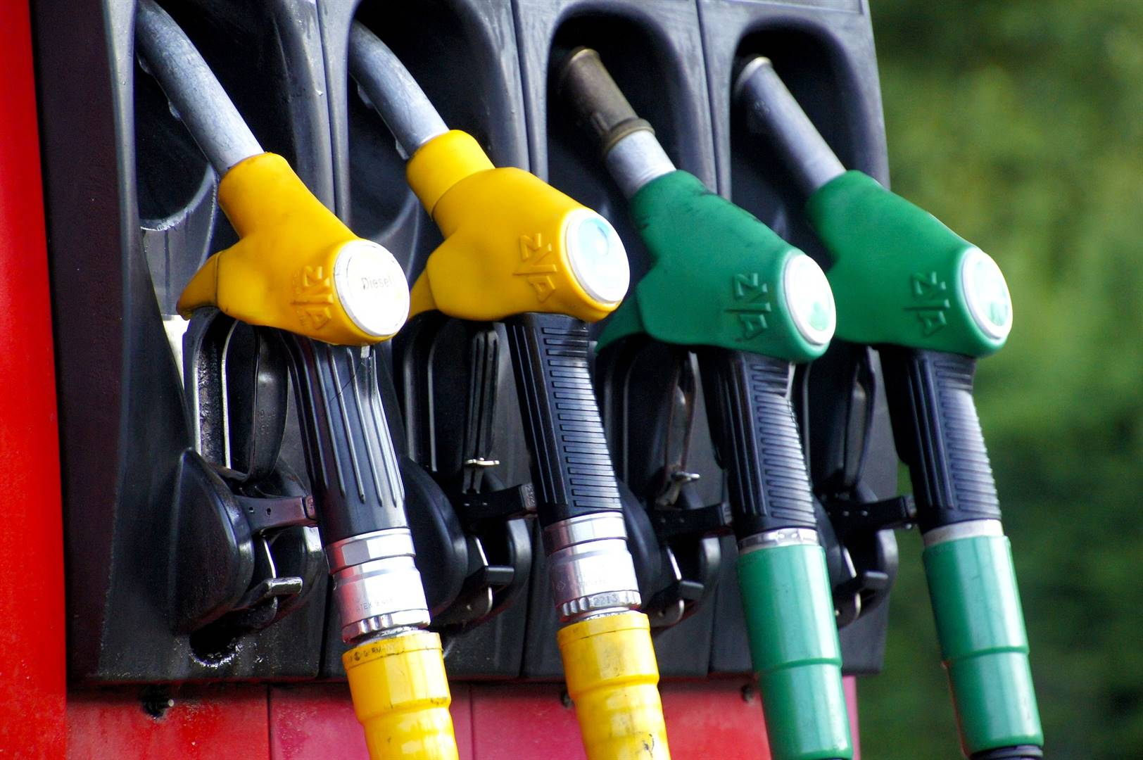 UK puts army on standby as fuel pumps run dry | Fin24