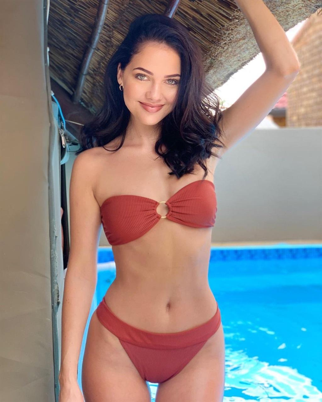 natasha joubert,mej.heelel,bikini