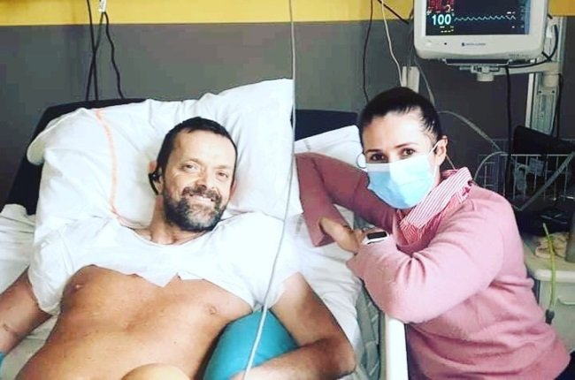 Felix Grétarsson is the first person to receive a double arm and shoulder transplant. With him is his wife, Sylwia. (PHOTO: Facebook/Felix Gretarsson)