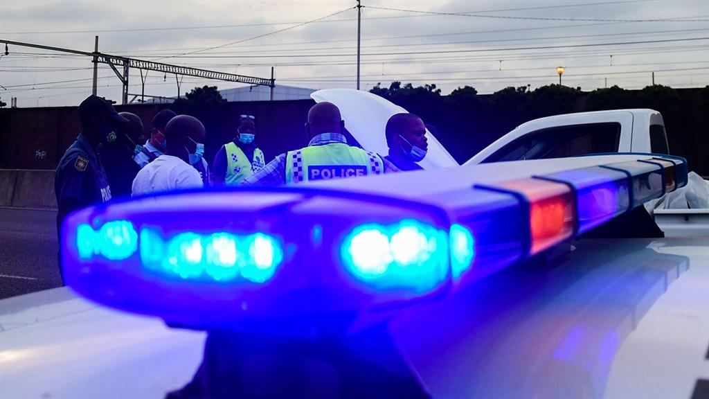 An off-duty cop seized guns.