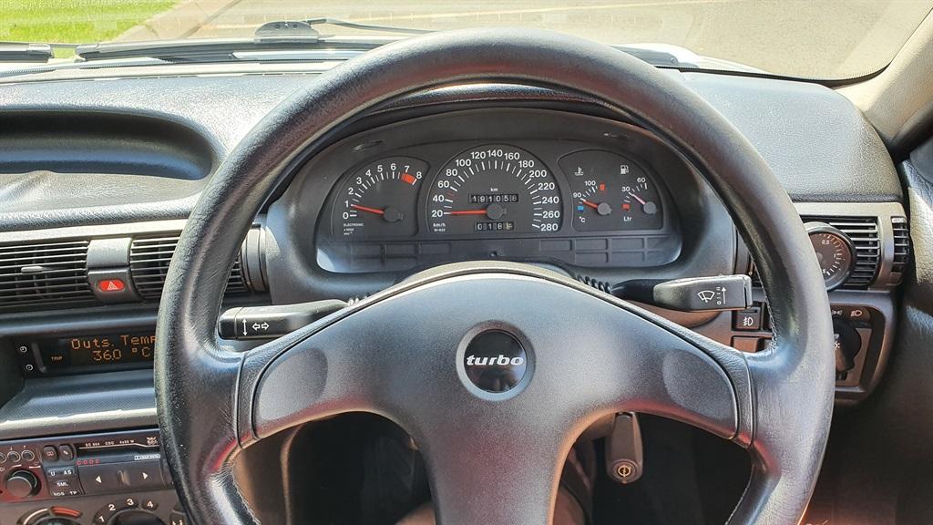 Steven Bloy Opel Kadett 200tS steering wheel