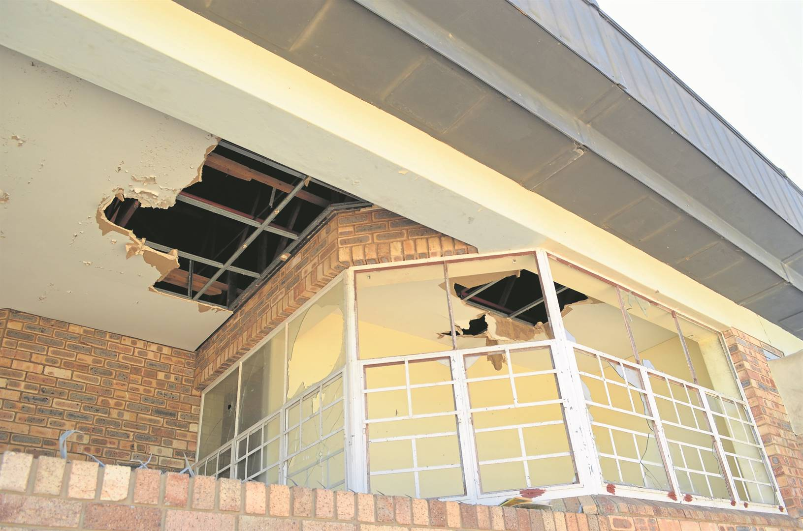 The Allanridge Civic Centre is continuously targeted by vandals. Windows are broken, ceilings torn out, the library is destroyed and all toilets and wash basins are ruined. Photos:HEILIE COMBRINCK