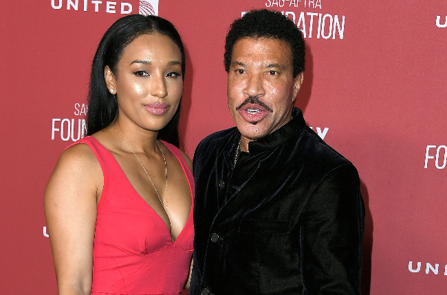 The age gap between Lionel Richie and his girlfriend, Lisa Parigi has left tongues wagging.
