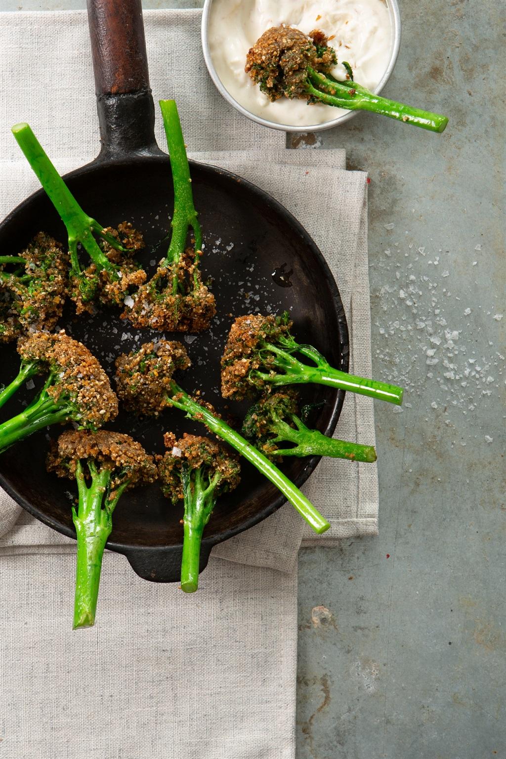 Broccoli met doopsous