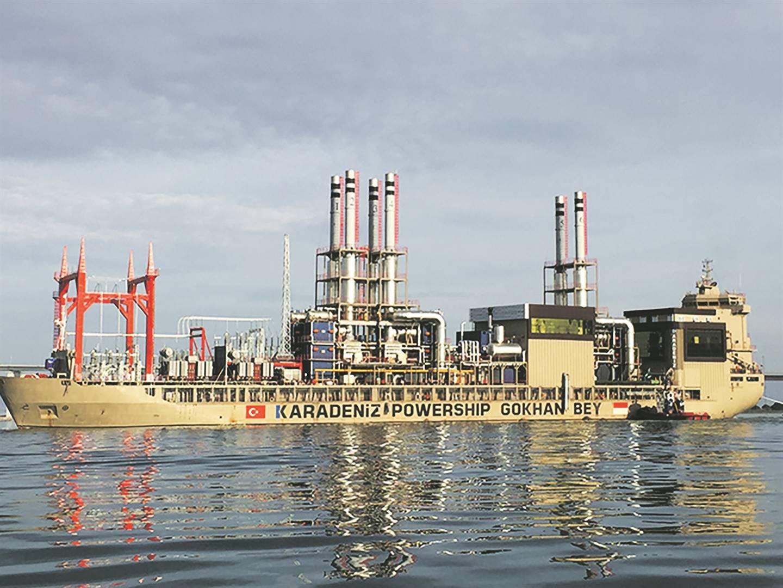 Een van Karpowership se vloot drywende kragsentrales.