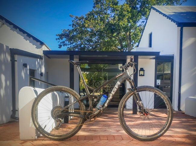 You'll earn your mountain bike dust signature with a Paarl ride (Photos: Ashley Oldfield)