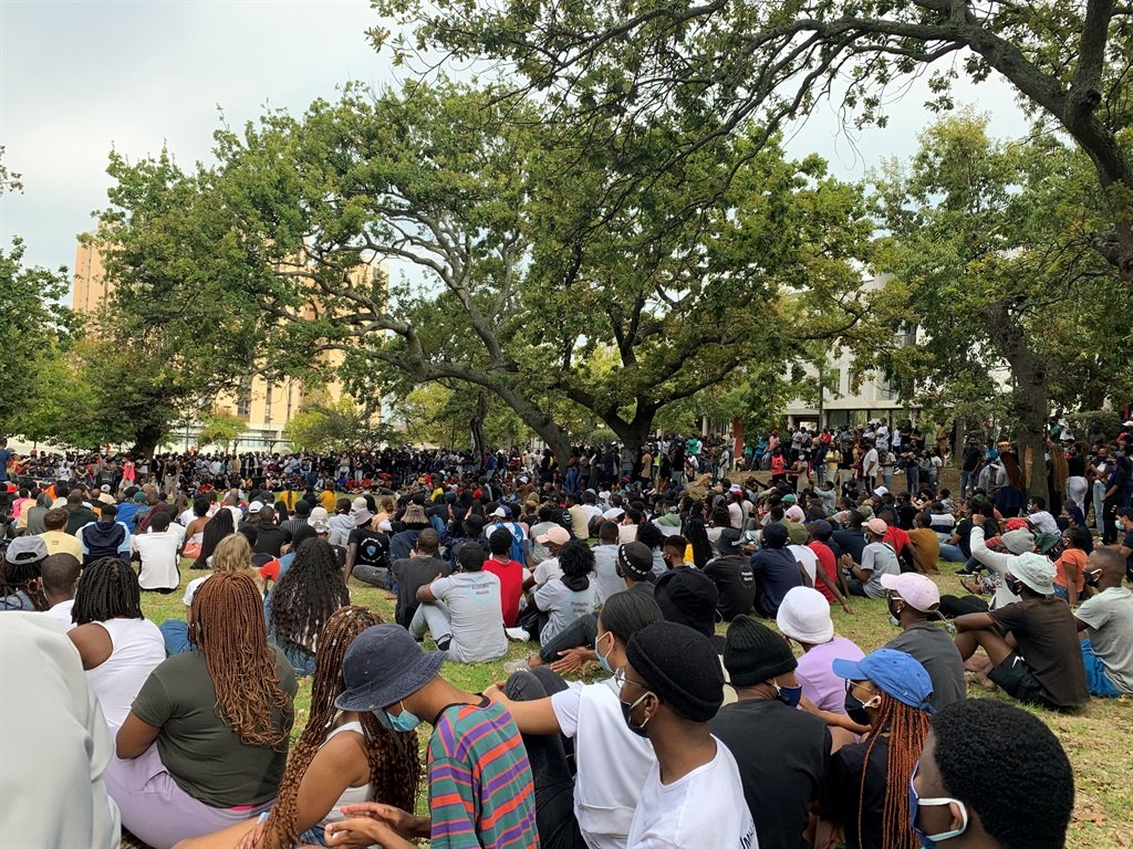 UCT SRC holds mass meeting to discuss possible shut down.
