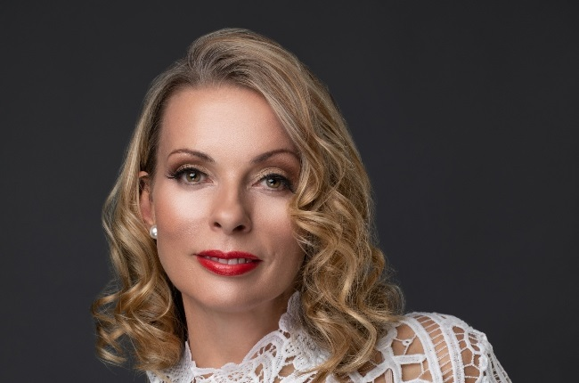 Natasha Sutherland talks about her new role in a TV drama that reminded her anew of how precious her family is to her – and mentions that she's ready to love again. (Photo: Supplied)