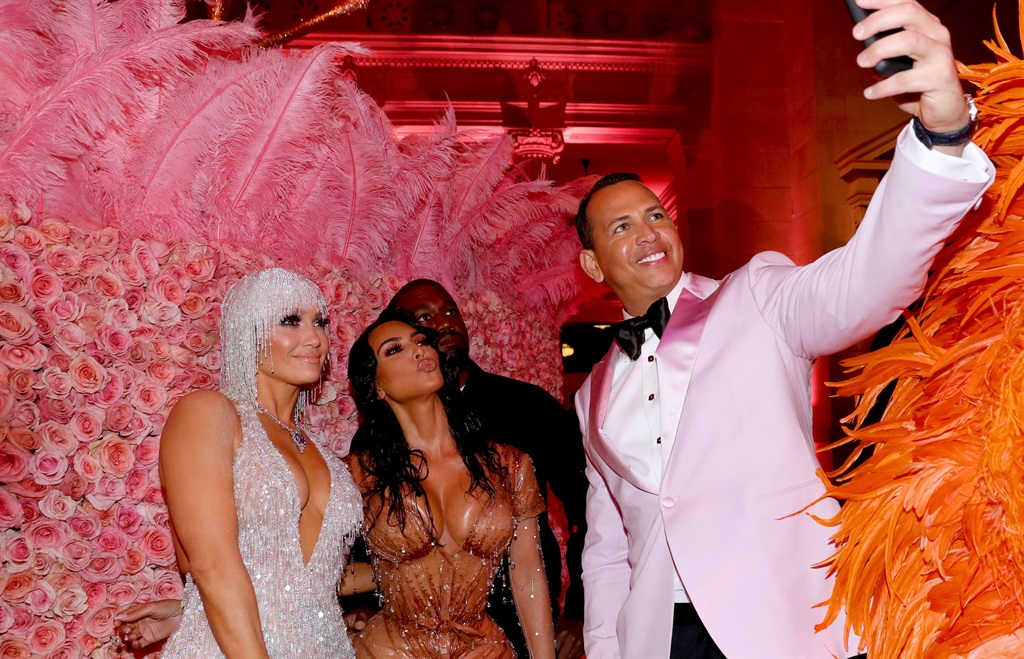 Alex Rodriguez, Jennifer Lopez, Kim Kardashian West and Kanye West take a selfie at The 2019 Met Gala Celebrating Camp: Notes on Fashion at Metropolitan Museum of Art on May 06, 2019 in New York City. (Photo by Kevin Tachman/MG19/Getty Images for The Met Museum/Vogue)