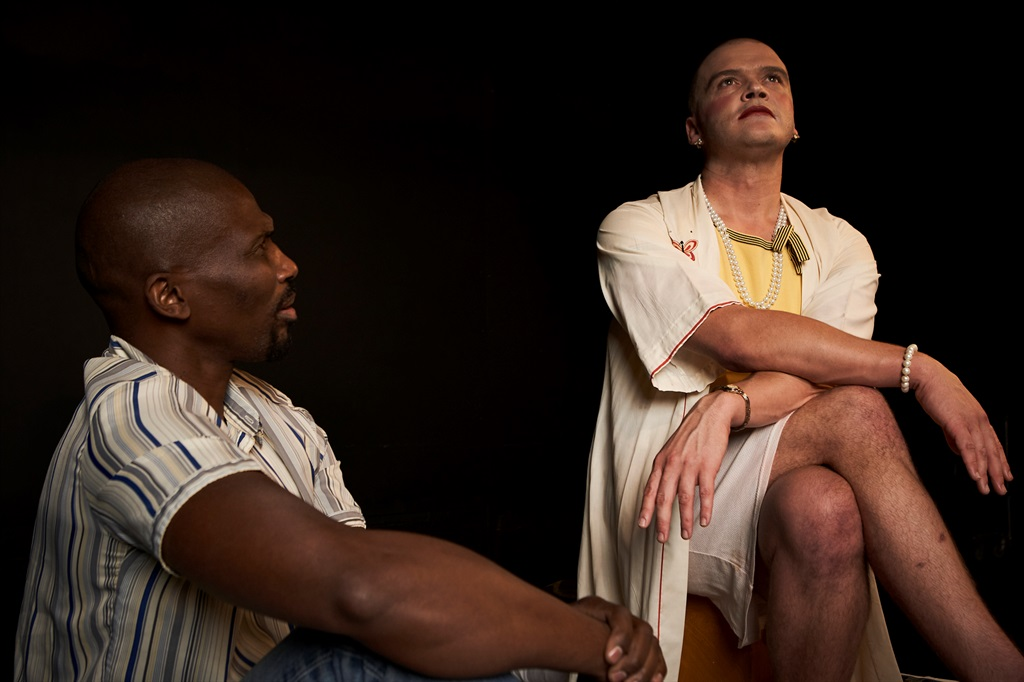 Mbulelo Grootboom and Wessel Pretorius star in Kiss of the Spider Women at The Baxter. (Supplied)