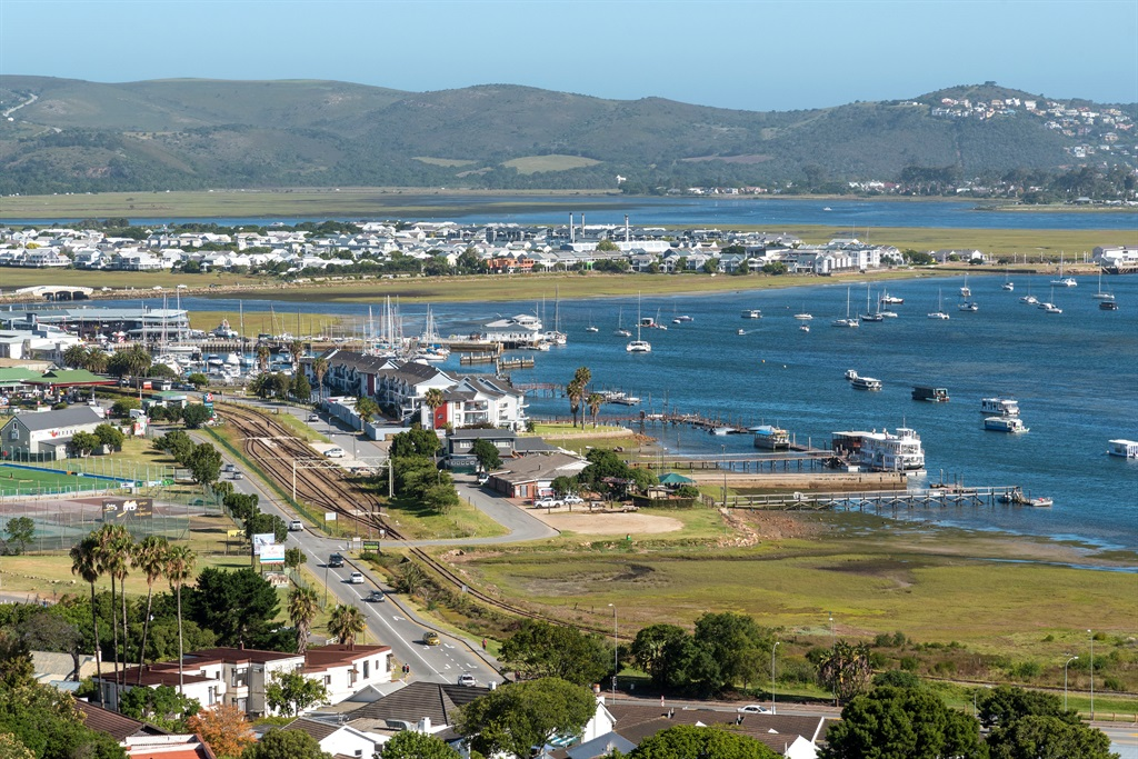 Knysna, Western Cape, South Africa, An overview of Knysna and the lagoon on the Garden Route. (Photo by: Peter Titmuss/Education Images/Universal Images Group via Getty Images)