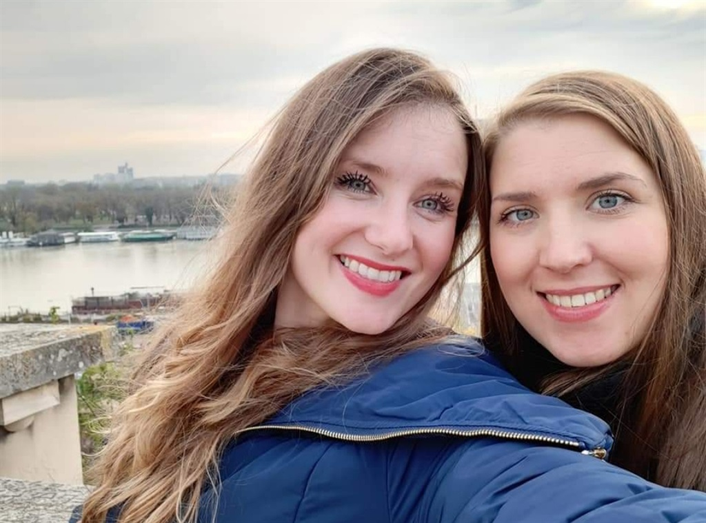 Leah (left) and Giselle in early 2020. Image courtesy Caters News Agency/ Magazine Features