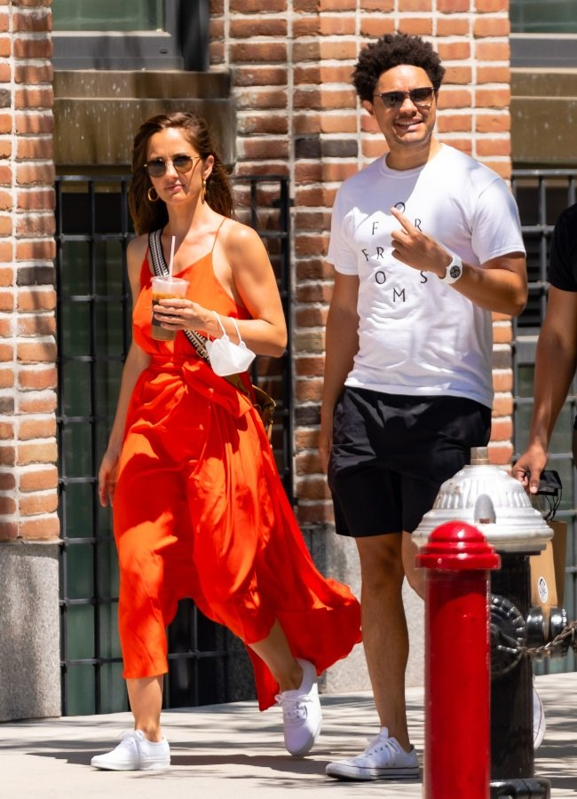 The duo were making their way to get coffee at Bla