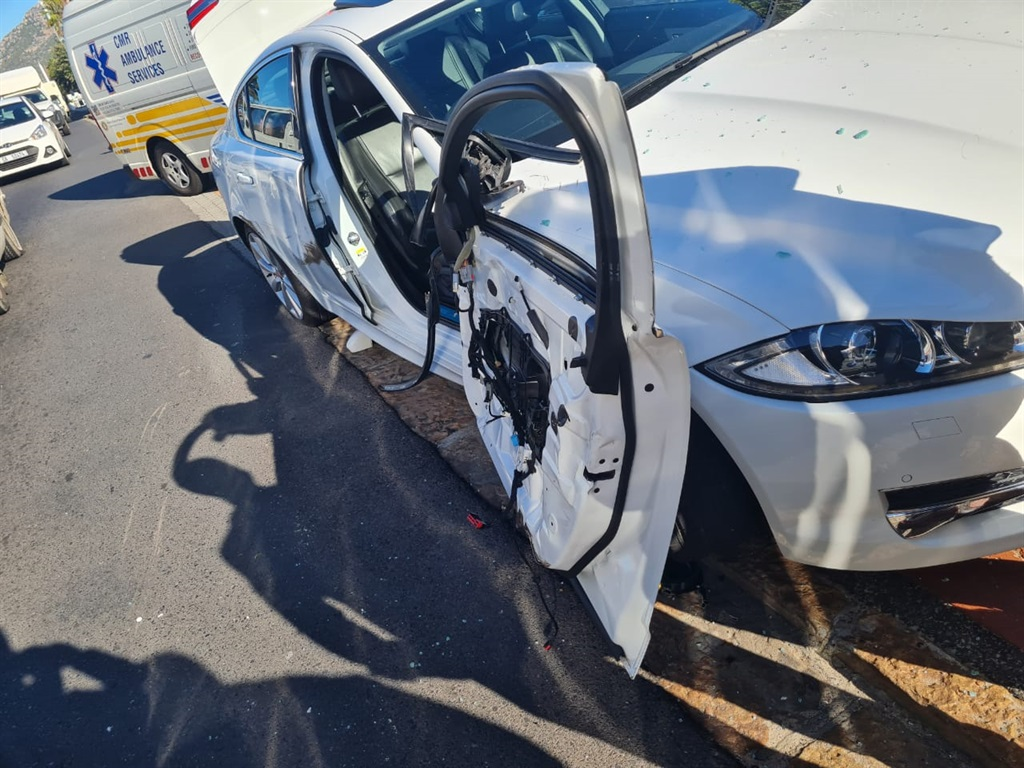 Suspects hit by car following attempted hijacking, robberies in Cape Town - News24
