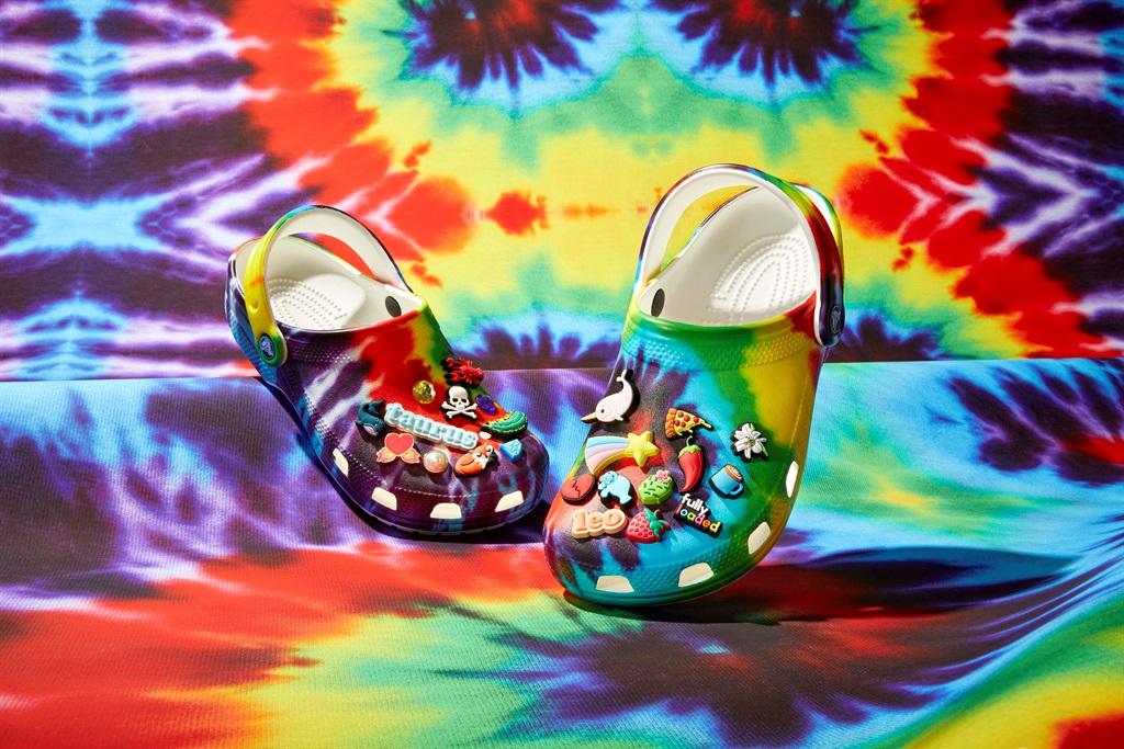crocs, tie dye, shoes