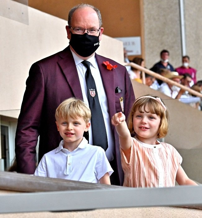 Prince Albert and the twins seems to be in high sp