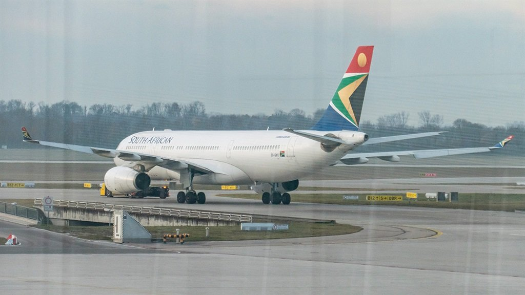 SA govt blocks Delta from flying to Cape Town – and the US in turn restricts SAA