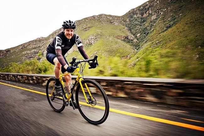 The joy of riding a modern steel frame and fork (Photo: Steve Smith)