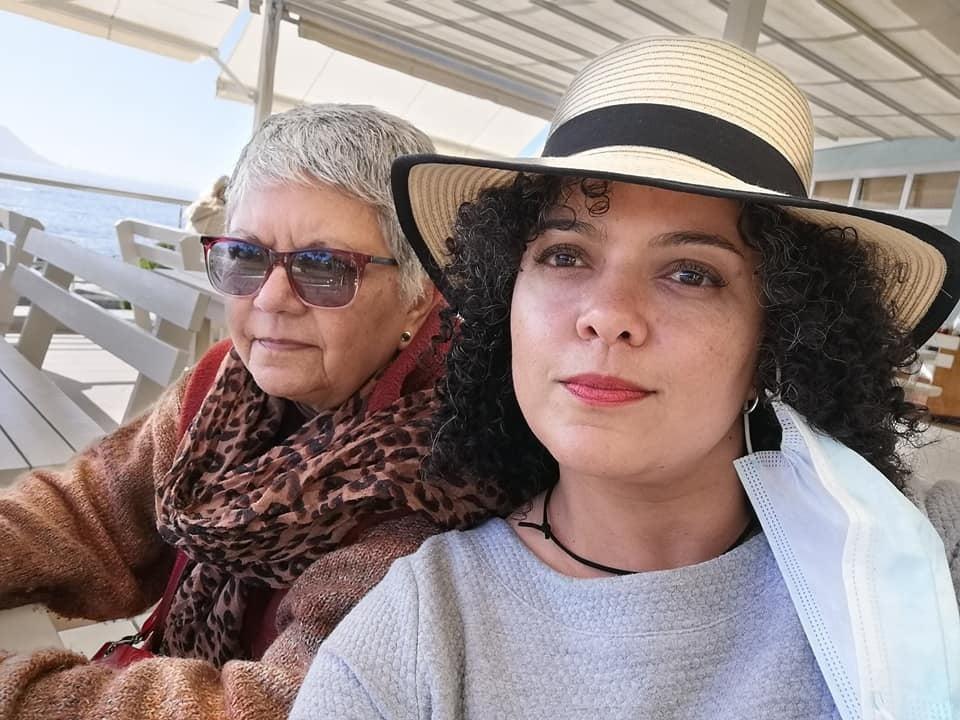 Akrise Lee-Ann van Rooi saam met haar ma Dalmari S