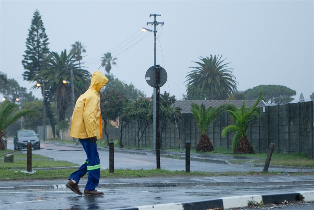 WEATHER WARNING | Severe thunderstorms expected in KZN - News24