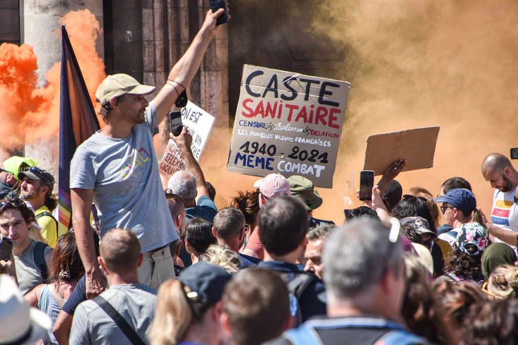 Image News24.com | New protests as France set to implement Covid health pass