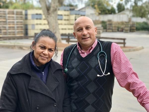 Sr. Cheryl Bozman en dr. Anthony Hess