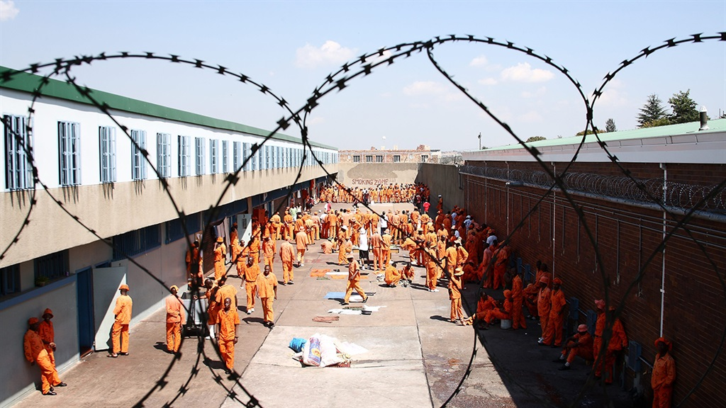 South Africa looters overcrowded prisons