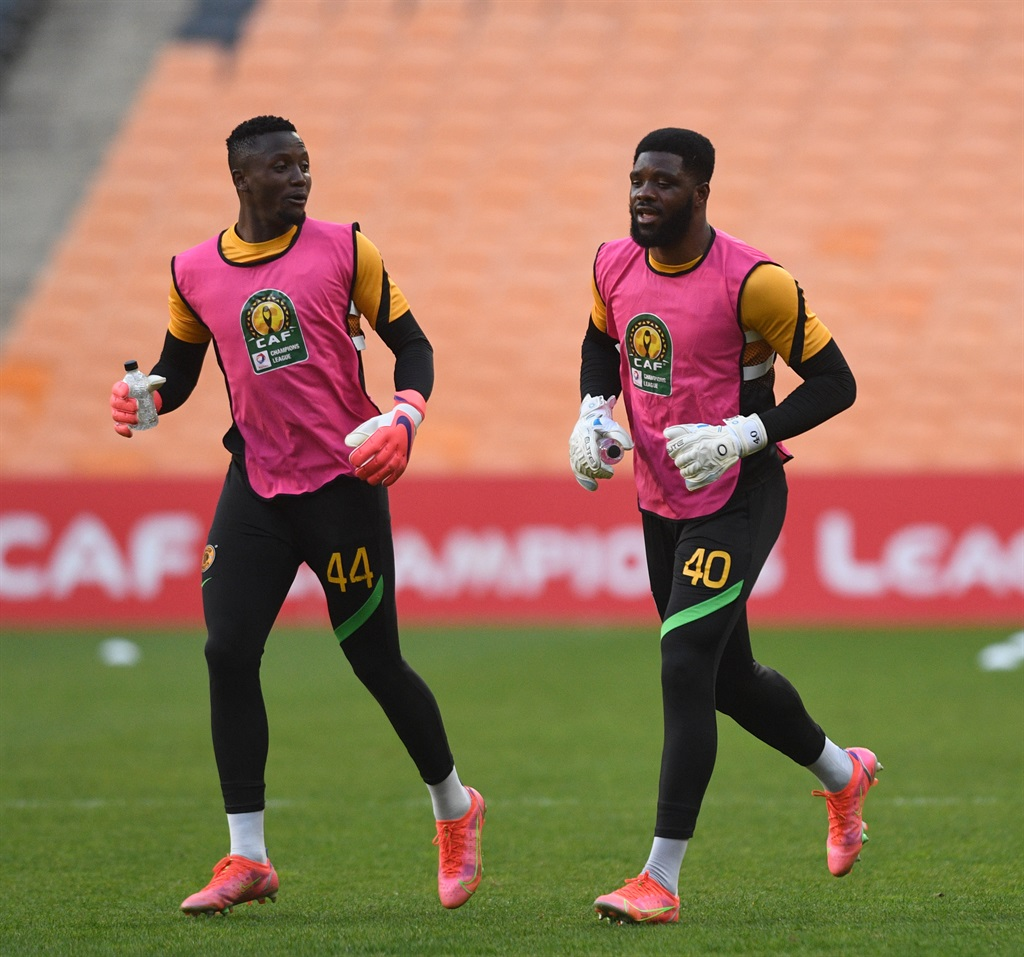 Bruce Bvuma of Kaizer Chiefs and Daniel Akpeyi of