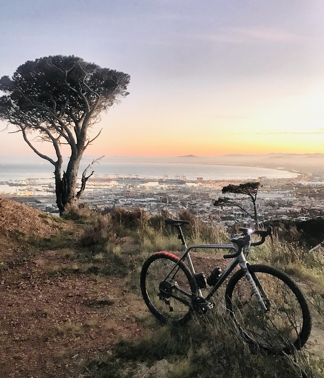 The Ruut makes short work of long off-road climbs, on Table Mountain (Photo: Steve Smith)